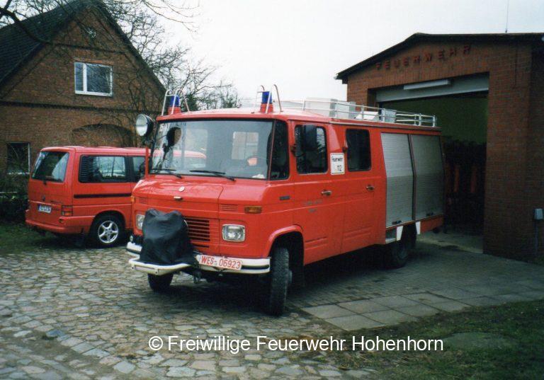 Altes Löschfahrzeug